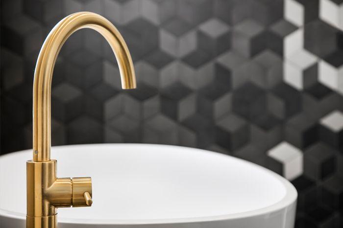 glenelg south sink tap